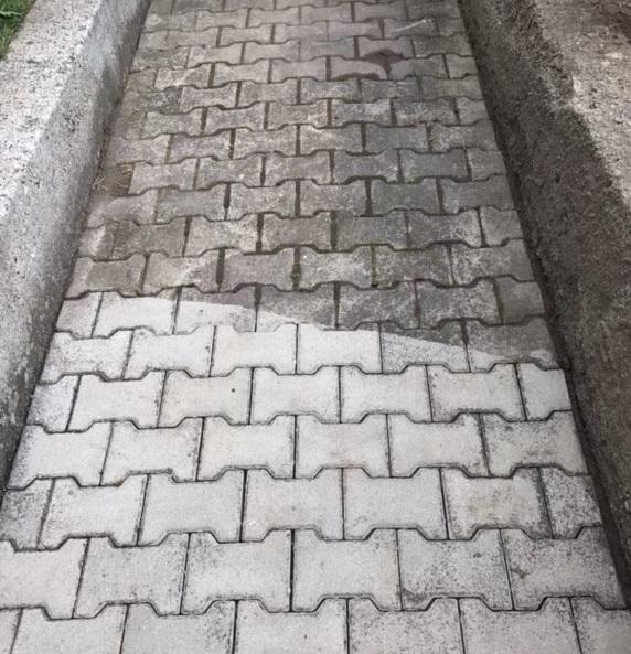 Čištění zámkových dlažeb